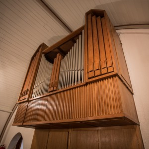 Bild der Orgel von rechts unten